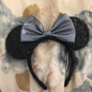 Mickey Mouse Ears w/ Iridescent Blue Bow
